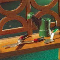5926 Watering Can, Shears