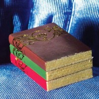 Books with Gold Pattern -3577